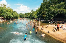 河边安装人脸识别防儿童溺水 质疑之前先鼓掌